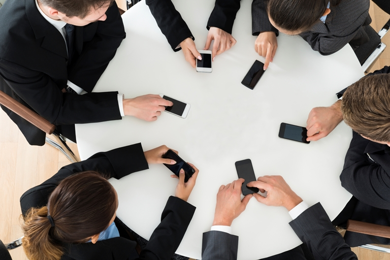 Modern Rules to Smartphones use in Meetings, Elite Events, Ontario